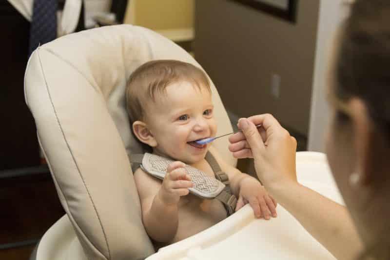Jak zadbać o zdrowe relacje dziecka z jedzeniem?