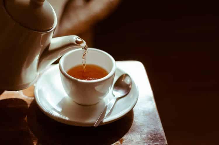 W czym parzyć herbatę?