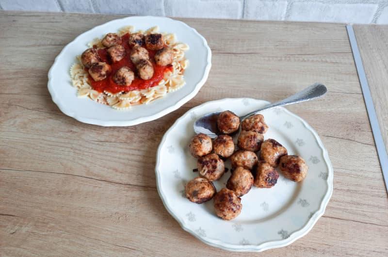 Pulpety z mięsa mielonego w sosie pomidorowym