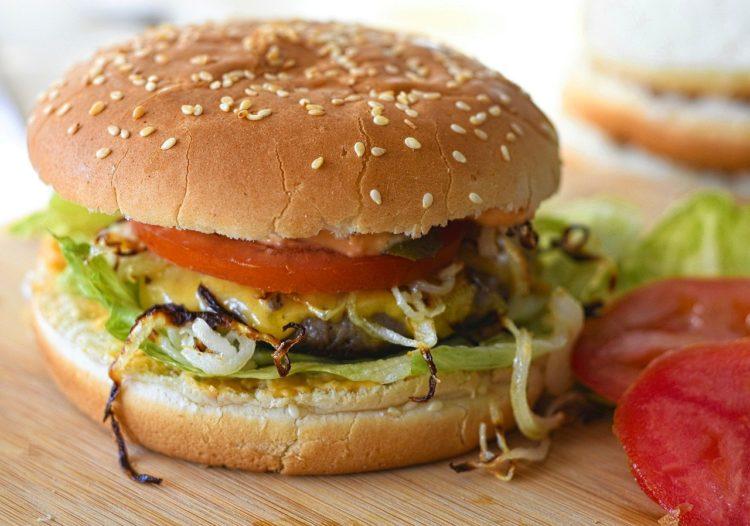 Tajskie burgery z indyka