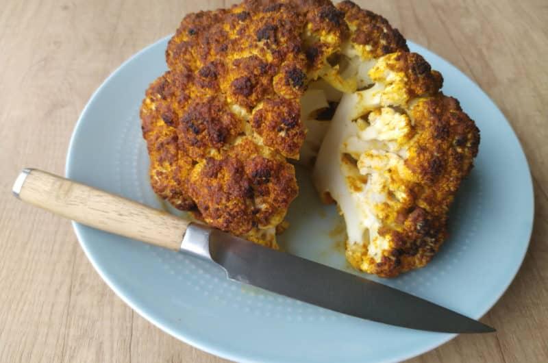 Kalafior pieczony w całości z przyprawą curry