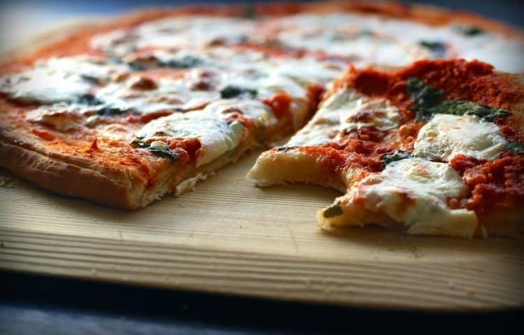 Pizza Margherita. Najprostsza pizza