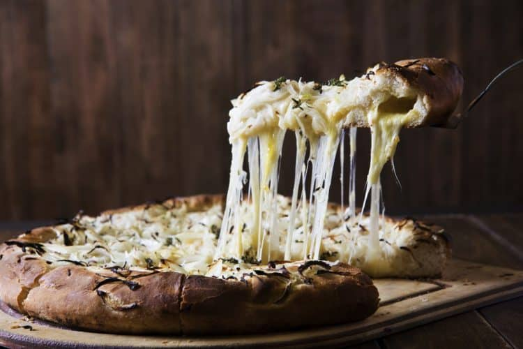 Pizza Quattro Formaggi. Cztery sery