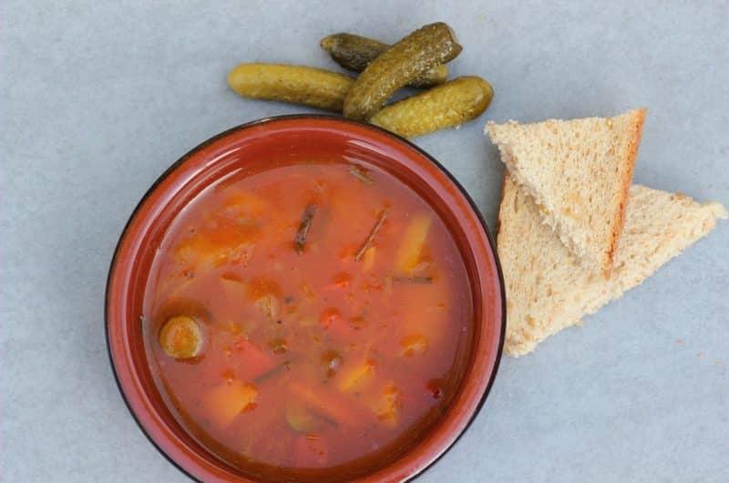 Soljanka. Prawdziwa rosyjska zupa solanka